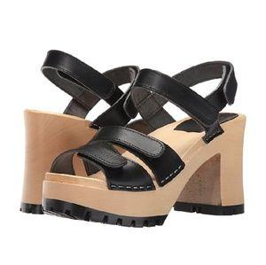 <Swedish Hasbeens> platform sandals
